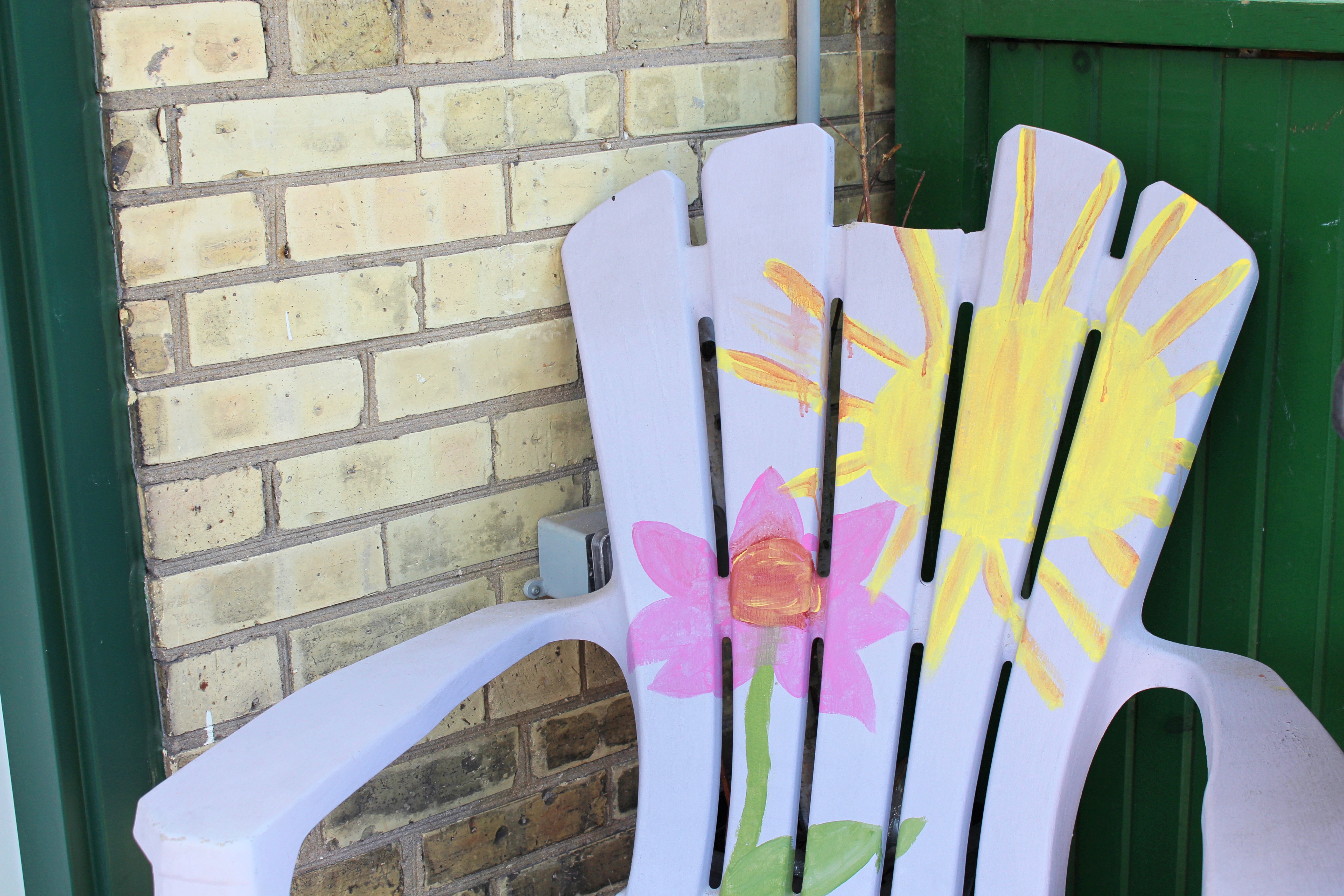 Image of a purple deck chair representing Vera's Place.